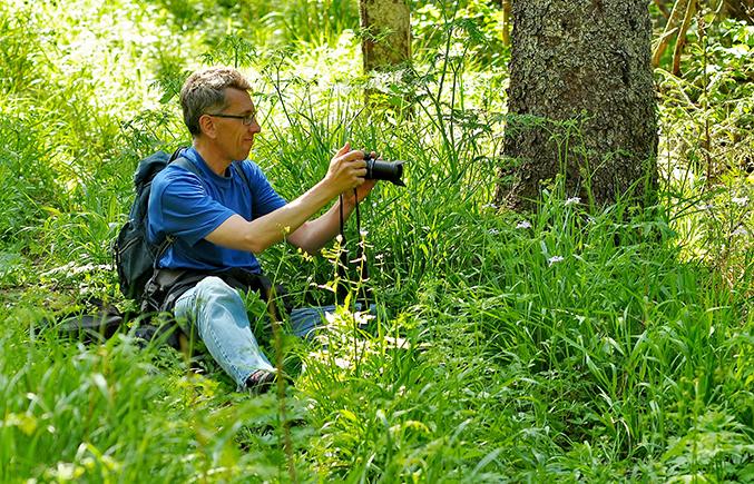 Vi följer med Mikael Skalstad till Mölnbacka, The home of the Butterflies.